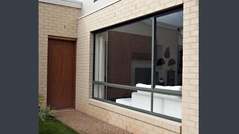 XOX/OOO configuration patio unit