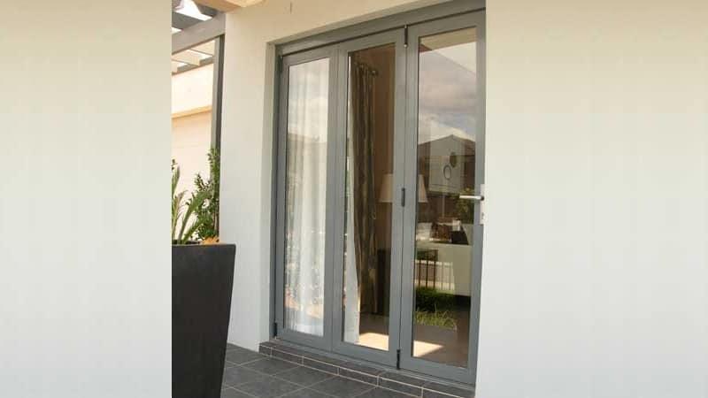 3 panel LLL configuration bi-fold door