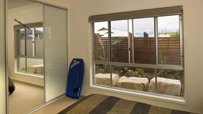Invisi-Gard screens on a XOX/OOO configuration patio unit