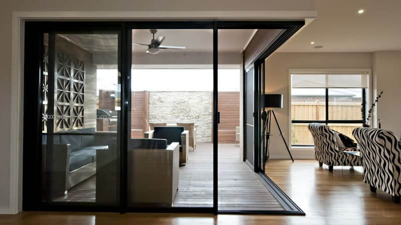 Corner stacker door in black